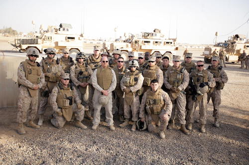 US_Navy_081127-M-0301S-161_Secretary_of_the_Navy_The_Honorable_Mr._Donald_C._Winter_poses_with_a_group_of_U.S._Marines,_Baharia